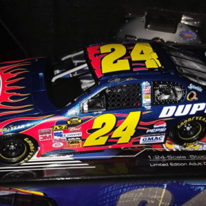 2007 Jeff Gordon Dupont