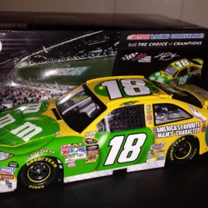Kyle Busch 2010 Ms Green